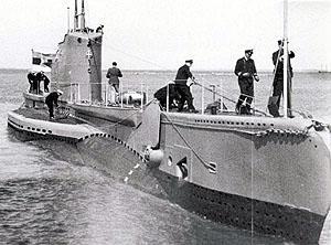 Allveelaev Kalev saabumas Miinisadamasse 1937