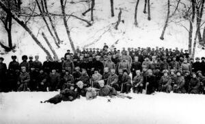 4. jalaväepolgu üks rood Narva Linavabriku taga