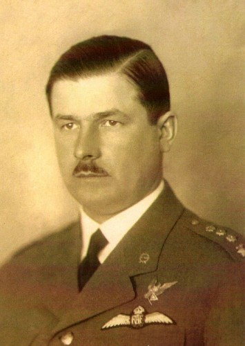 Esimene õhukaitse ülem kindral-major Richard Tomberg