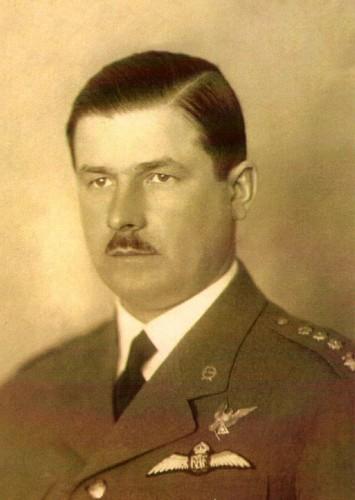 Esimene õhukaitse ülem kindral-major Richard Tomberg