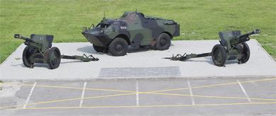 Riviplatsi relvaekspositsioon Suur-Sõjamäe riviplatsi ääres