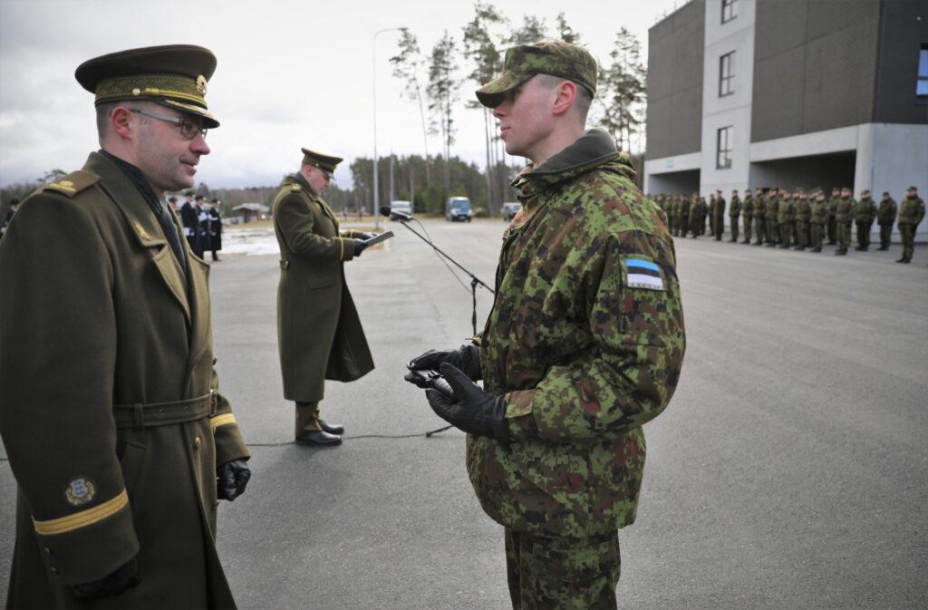 Logistikapataljoni ajateenijad vandusid sõduri baaskursuse lõppedes Eestile truudust